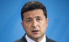 Зеленский призвал считающих себя русскими жителей Донбасса уезжать»/>