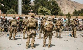 CNN узнал о решении пускать в аэропорт Кабула только граждан США и НАТО»/>