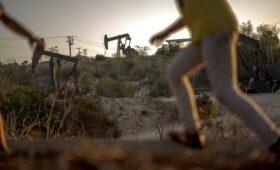 США попросили ОПЕК нарастить добычу нефти»/>