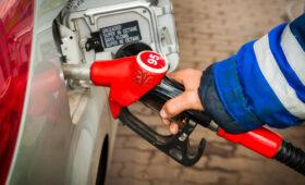 Эксперты разъяснили, почему не следует ездить с почти пустым бензобаком