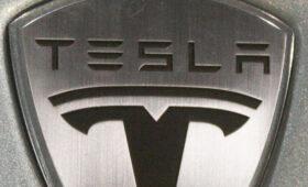 Tesla запатентовала лазерные дворники