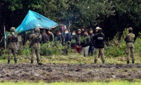 Президент Польши ввел режим ЧП на границе с Белоруссией из-за беженцев»/>
