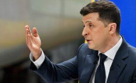 Зеленский заявил, что узнал об отъезде Саакашвили в Грузию из СМИ»/>